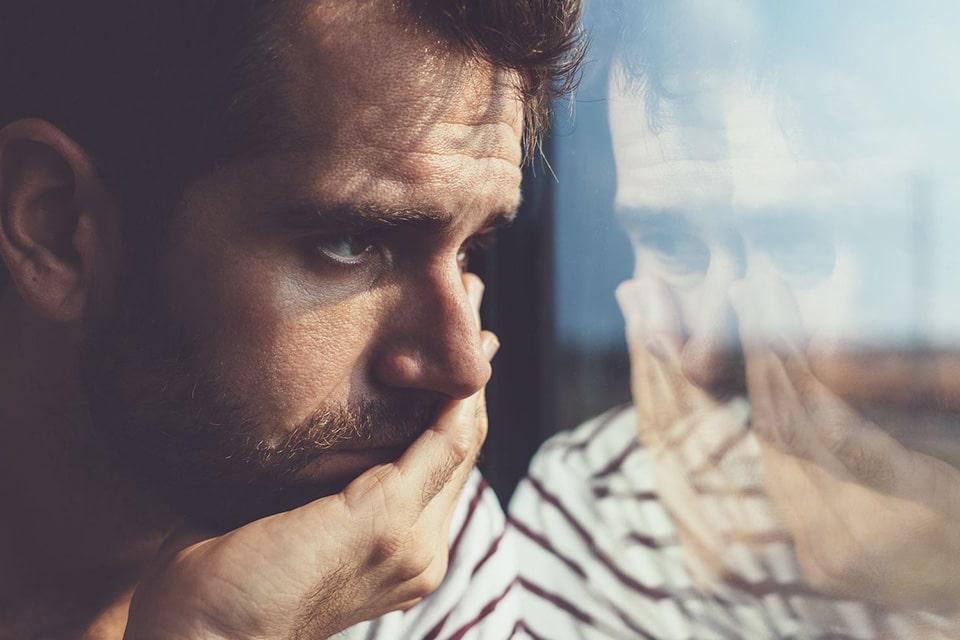 چه عواملی باعث افسردگی فصلی می شوند؟