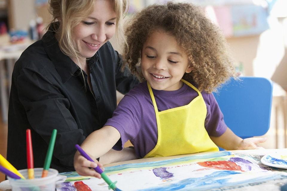 تشویق کودکان به نقاشی