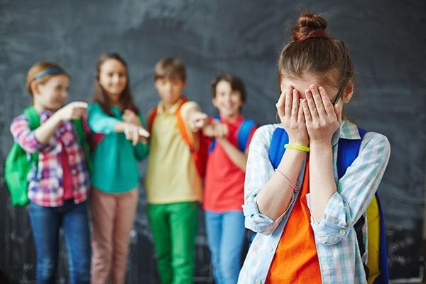 چه چیزی موجب اختلال فوبیای اجتماعی می شود؟