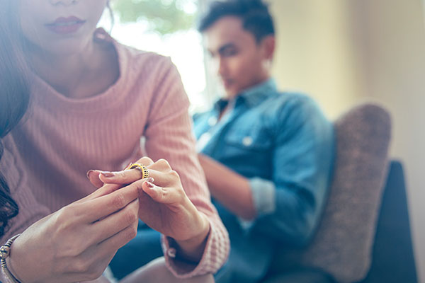 طلاق عاطفی و خیانت