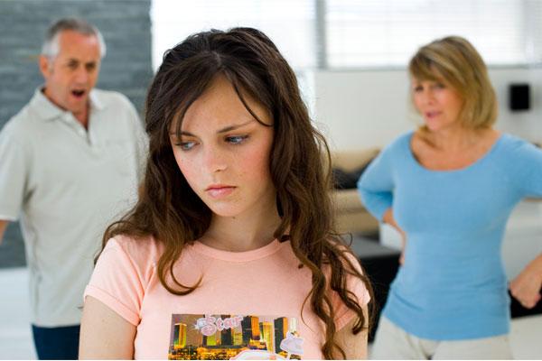 نقش والدین در درمان افسردگی نوجوانان